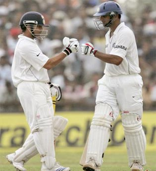 Dravid, Tendulkar spearhead India to dominant 278-4 in Hamilton Test