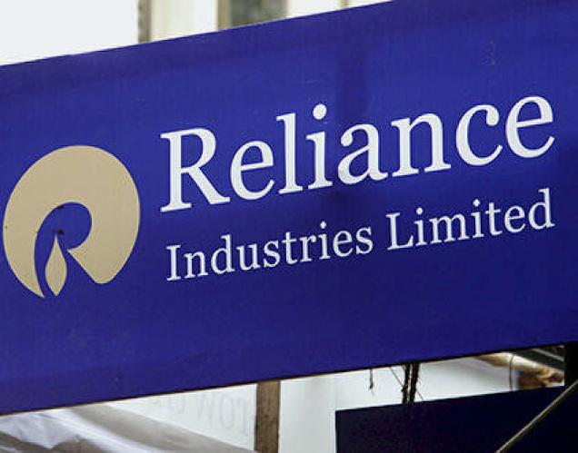 RIL shares hit 52-week high as analysts expect 17% rise in net profit