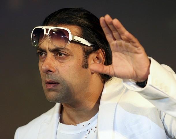 L'acteur de Bollywood, Salman Khan perd son sang froid en publique !!!
