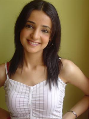 Birthday girl Sanaya Irani wishes big this year!