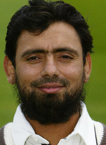 Saqlain 'available' for Pak team if it 'needs' him