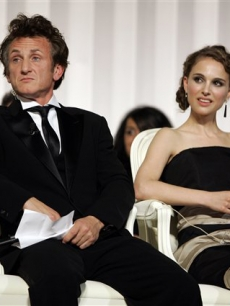 Is Natalie Portman behind the end of Sean Penn's marriage?