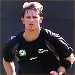 Shane Bond retires from Tests