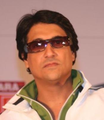 Bollywood Stars to Train Kids For Shiamak Davar's Directorial ...