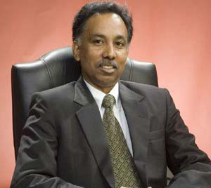 Infosys CEO Shibulal package stood at $119,774 for FY13