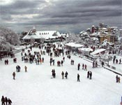 Snowfall in Shimla brightens mood of locals, tourists