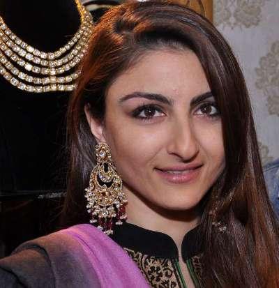 soha ali khan with her husband