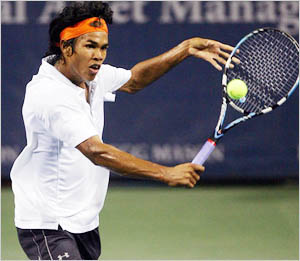 Somdev advances in Miami Open qualifiers