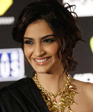 http://www.topnews.in/files/Sonam-Kapoor_14.jpg