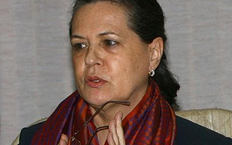 Sonia Gandhi meets party leaders to access poll performance