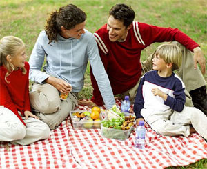 spending time with family essay In this essay we will compare and contrast between spending time with family and spending time with friends in terms of attitude, places and discussions no one can deny that attitudes differ between spending time with family and spending time with friends.