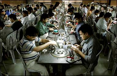 Small revival of Surat diamond industry brings smile back to workers