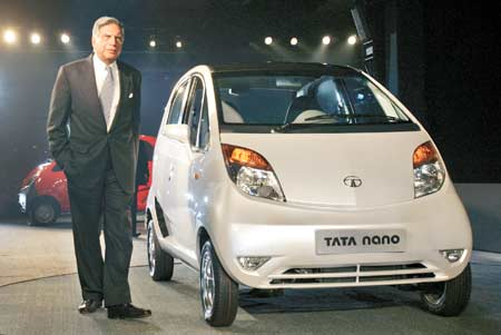 Ratan Tata presents Nano to first three customers