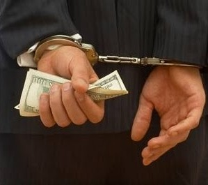 US DoJ arrests three for identity theft and tax fraud