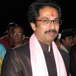 Uddhav extends olive branch to cousin Raj Thackeray