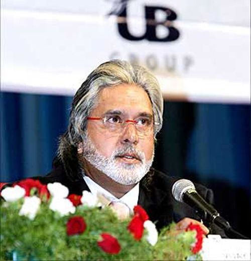 RCB owner Mallya backs beleagured IPL chief Lalit Modi