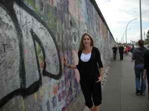 Berlin attractions lure visitors 20 years after the Wall - Feature