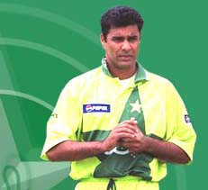 Waqar Younis questions Pak ICL players' national commitment