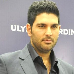 Yuvraj Singh asks cancer patients to fight disease with courage