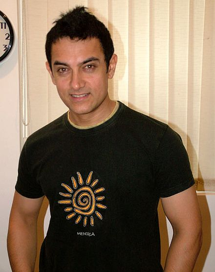 Aamir Khan To Catch Up With Blog Fans In Paris