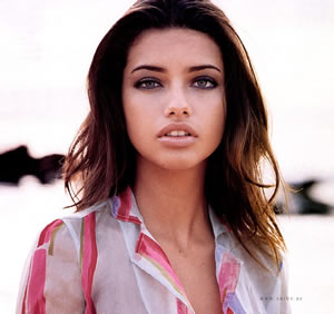http://www.topnews.in/files/adriana-lima.jpg