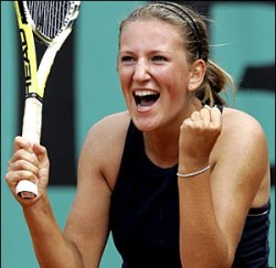 Azarenka breaks through with Miami title win over Williams