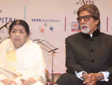 Pt. Jasraj, Big B launch Lata Mangeshkar's music label