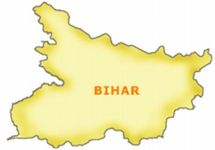 Maoists punish thieves in public court in Bihar