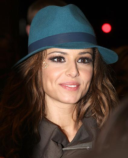 Cheryl Cole flashes ring on Twitter London, Nov 20 : X Factor co-judge ...