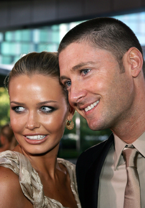 Michael Clarke, 'lonely' Lara Bingle to sell waterside mansion