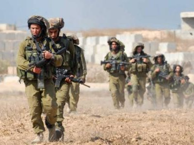 Israeli ground forces move into Gaza Strip