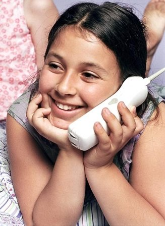 Average girl spends 4 years of her life on phone!