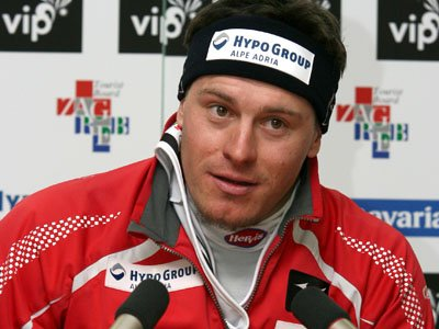 Injured Kostelic goes home for treatment
