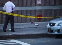 New York police detective shoots gunman who injured a man