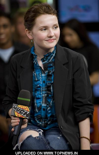 Abigail Breslin at  Abigail Breslin Visits MuchOnDemand in Toronto on June 17, 2009