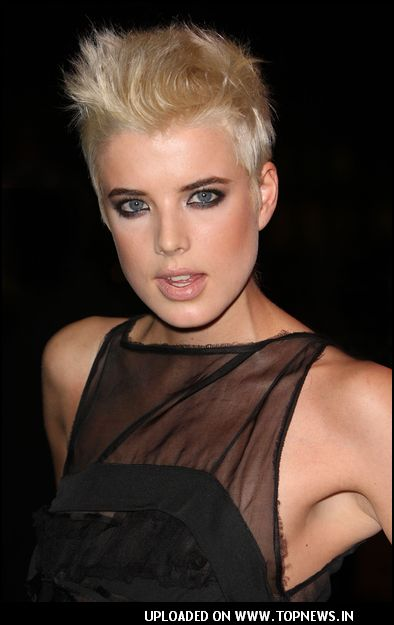 http://www.topnews.in/files/images/Agyness-Deyn6_1.jpg