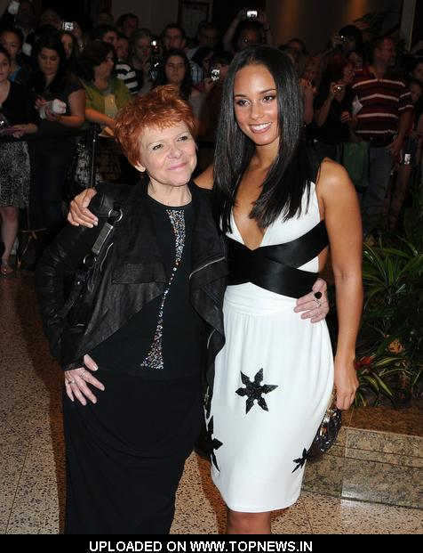 Alicia Keys And Her Mother At 2009 White House Correspondent Dinner