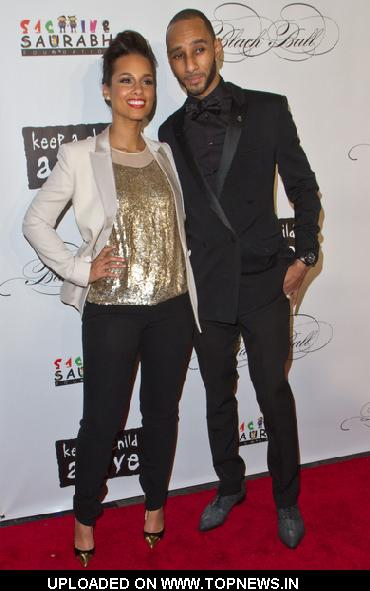 Alicia Keys and Swizz Beatz at  8th Annual Keep A Child Alive Black Ball - Arrivals