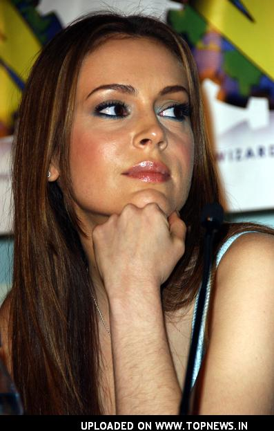 http://www.topnews.in/files/images/Alyssa-Milano12_0.jpg