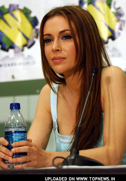 http://www.topnews.in/files/images/Alyssa-Milano14_0.jpg
