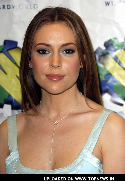 http://www.topnews.in/files/images/Alyssa-Milano7_0.jpg