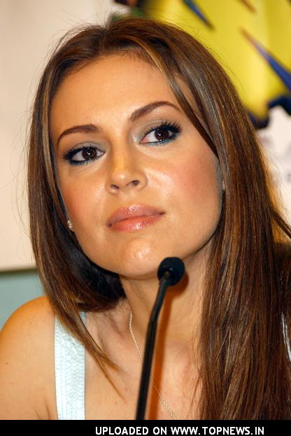 Alyssa Milano at Wizard World Los Angeles Day Two