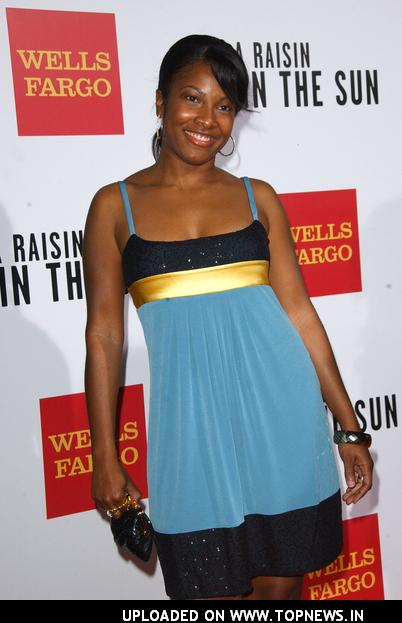 "Angel Moore at ""A Raisin In the Sun"" Los Angeles Premiere - Arrivals"