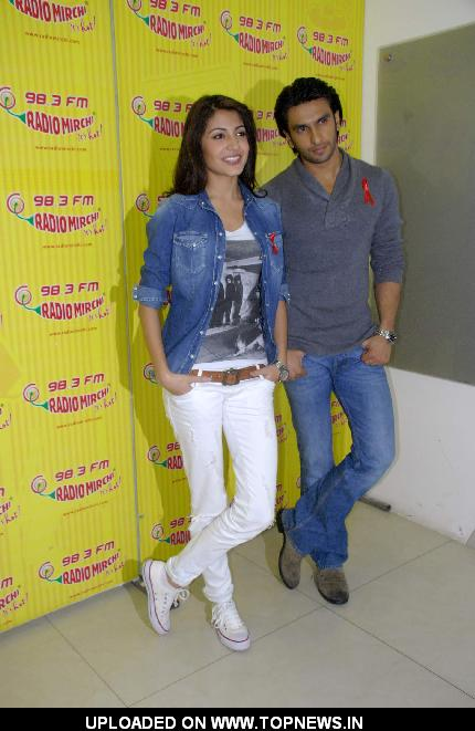 Anushka and Ranveer promote Ladies VS Ricky Bhal at Radio Mirchi at Lower Parel