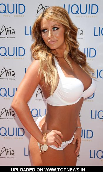 Aubrey O'Day Hosts the Day at Liquid Pool in Vegas