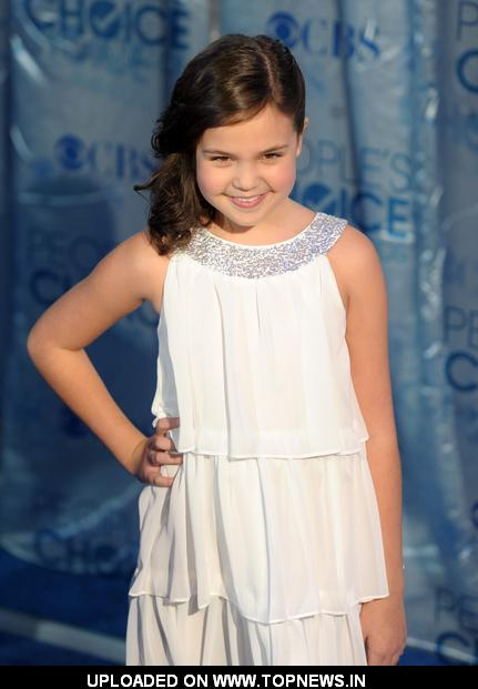 Bailee Madison Mdison Picture Image And Wallpaper