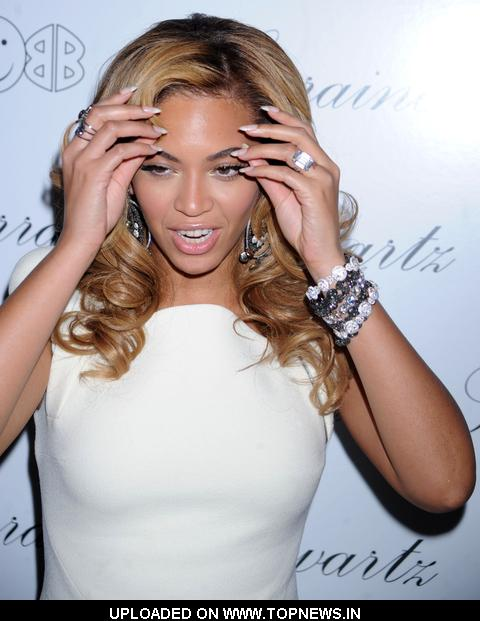 "Lorraine Schwartz's ""2BHAPPY"" Jewelry Collection Launch Hosted by Beyonce Knowles - Red Carpet Arrivals"