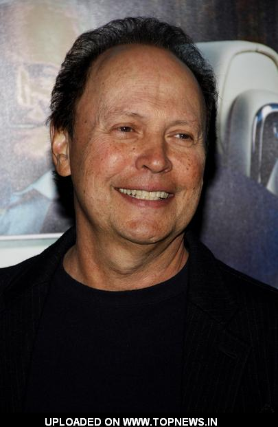 billy-crystal-at-his-way-los-angeles-premiere-arrivals-top