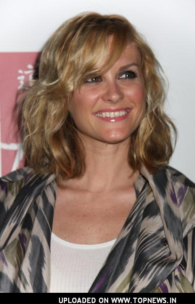 http://www.topnews.in/files/images/Bonnie-Somerville10.jpg
