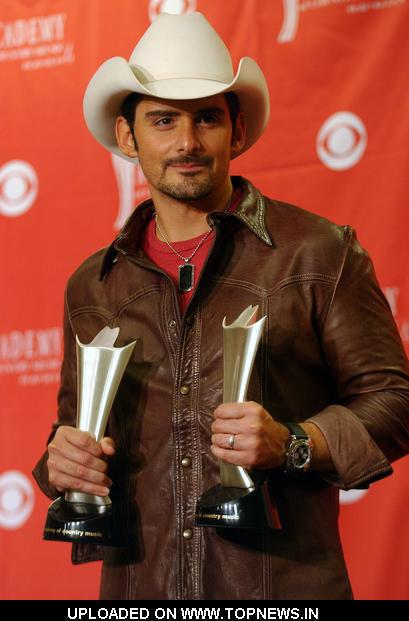 brad paisley this is country music album cover. Brad Paisley at 43rd Academy